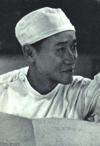 Chen Zhongwei in surgery, 1963