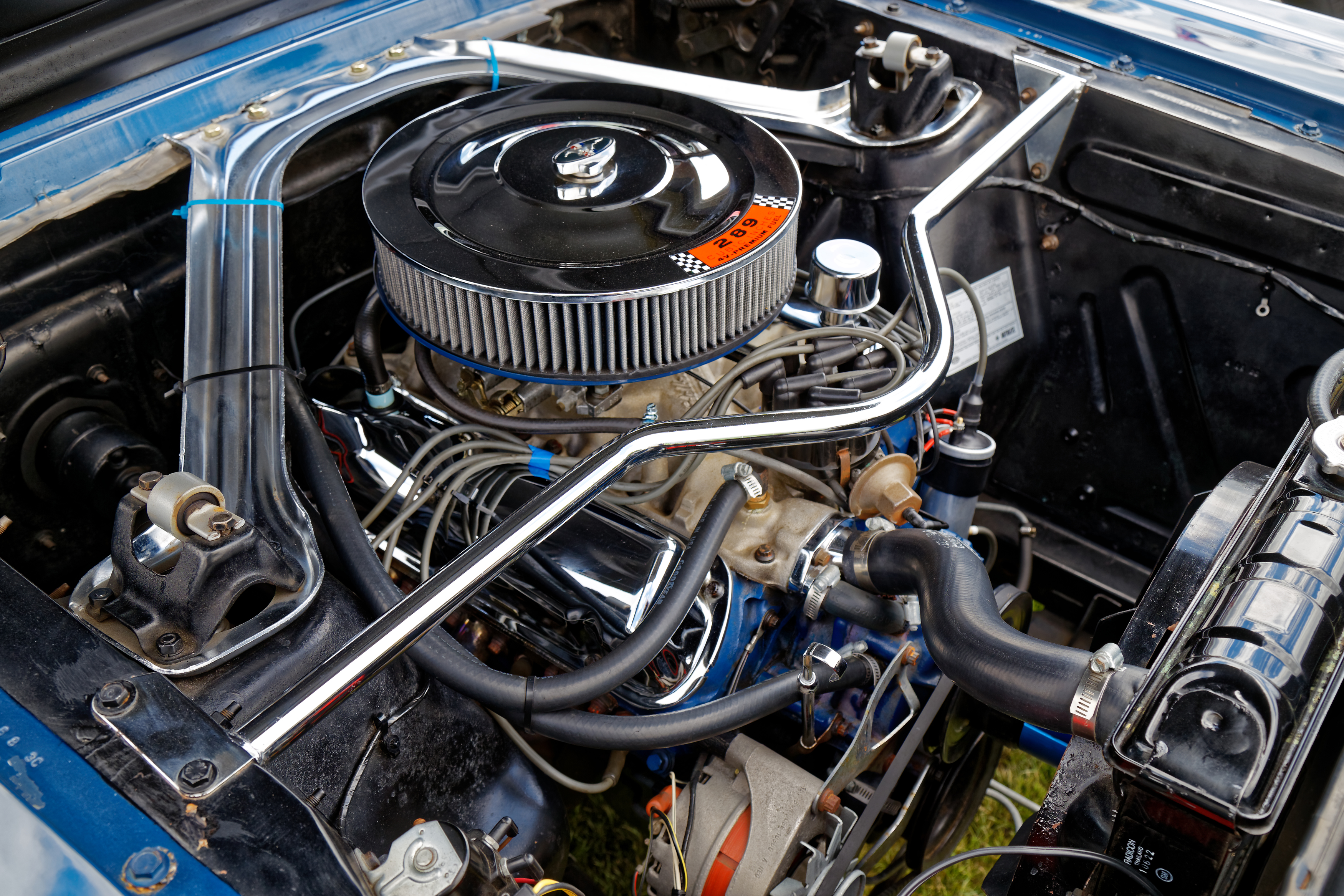 File1965 ford mustang 4700cc engine bay at hatfield heath festival 2017 1 jpg