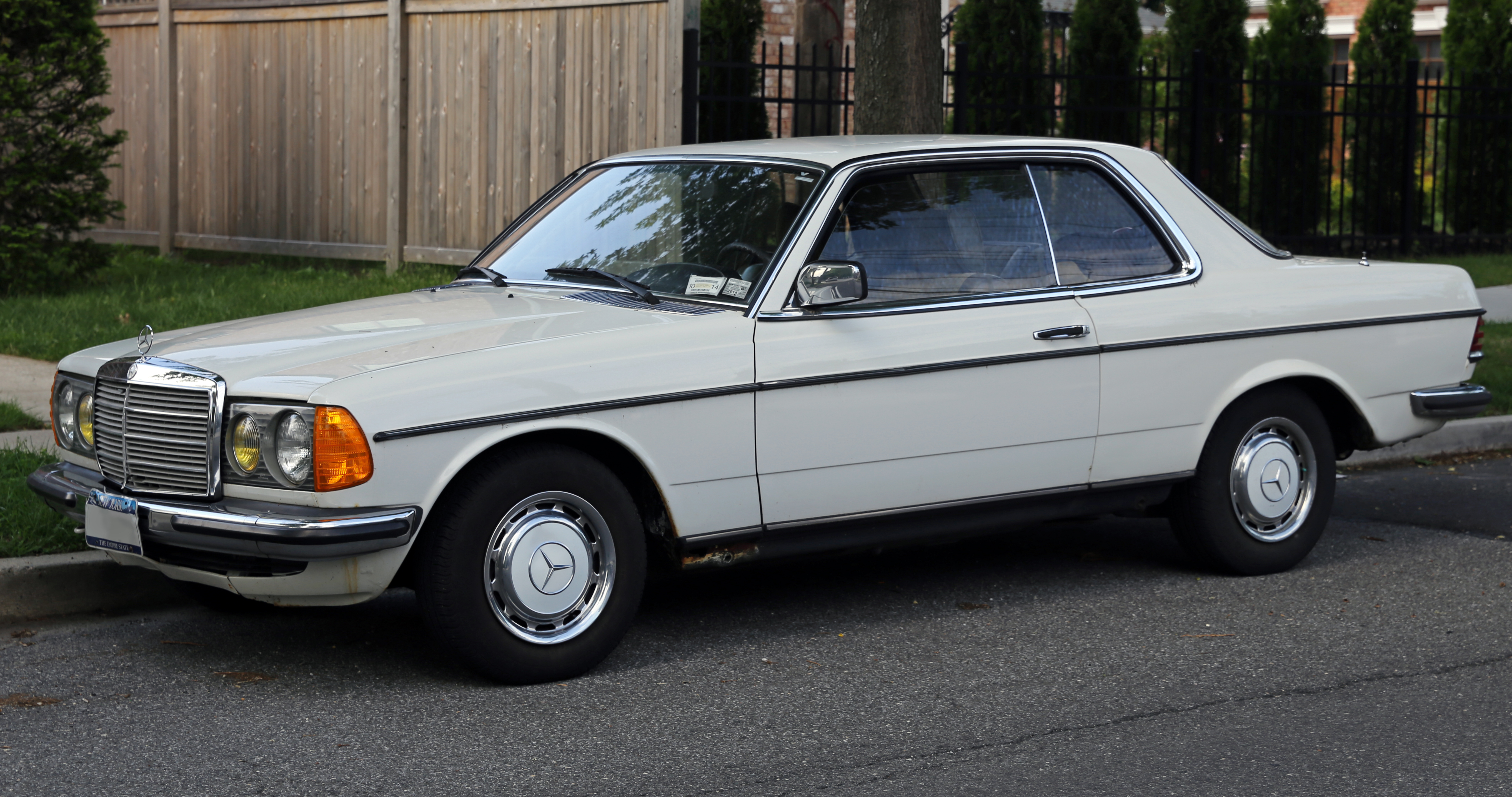 File 1977 mercedes benz 230c in the for Mercedes benz c123 for sale