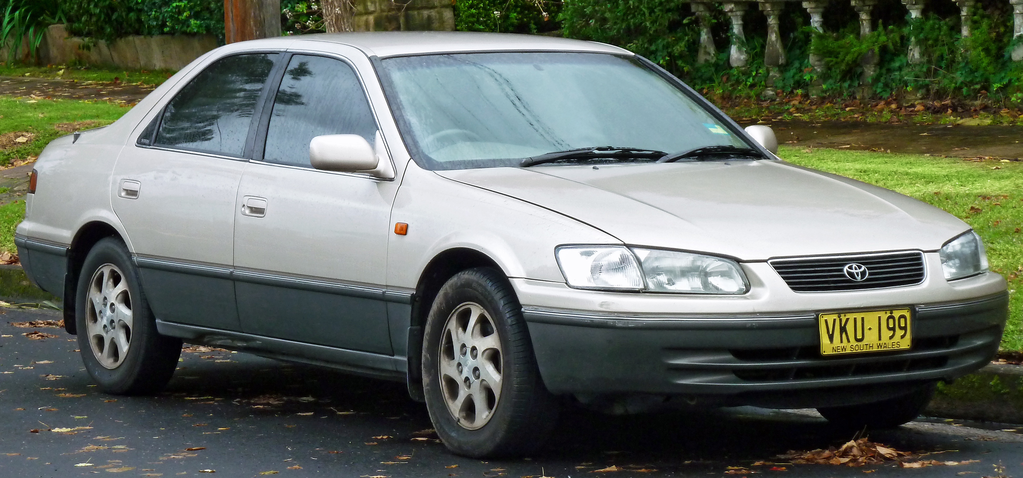 Fil1998 Toyota Vienta Mcv20r Grande Sedan 2011 06 15 01 Blender