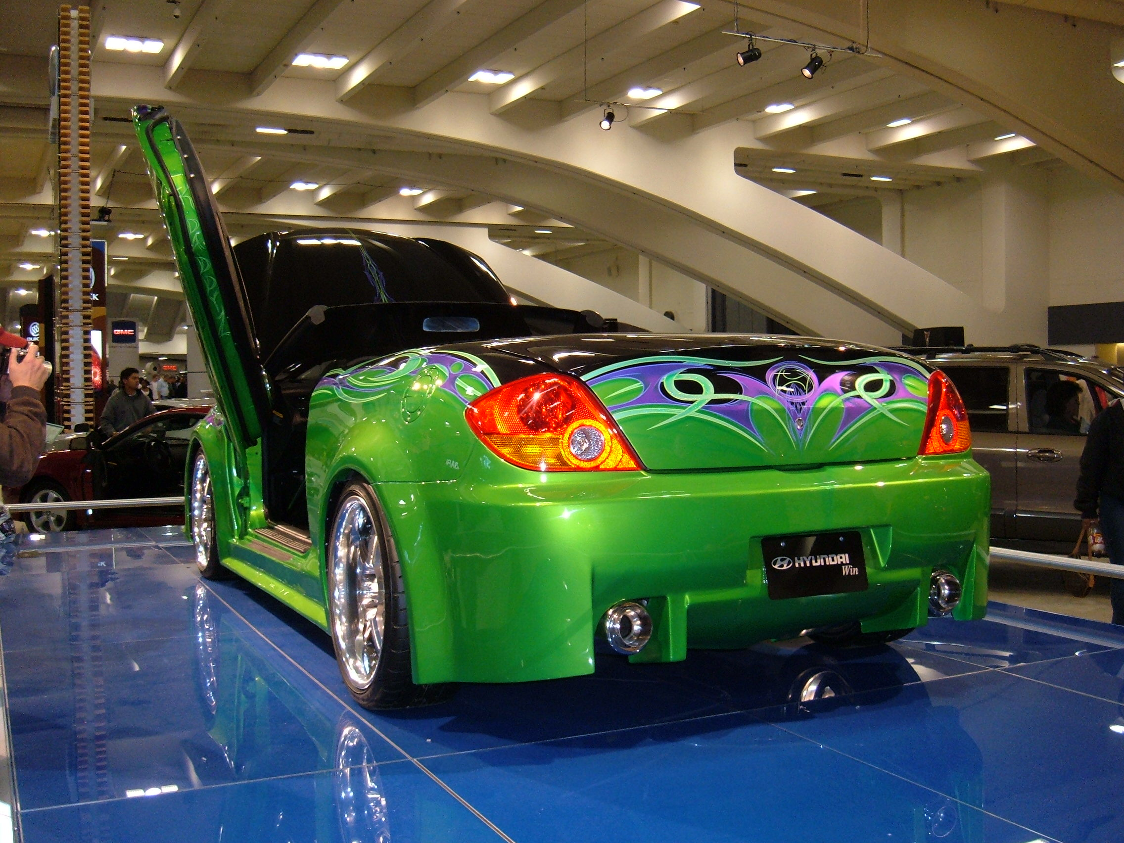 file 2005 customized green hyundai tiburon rear jpg wikimedia commons https commons wikimedia org wiki file 2005 customized green hyundai tiburon rear jpg