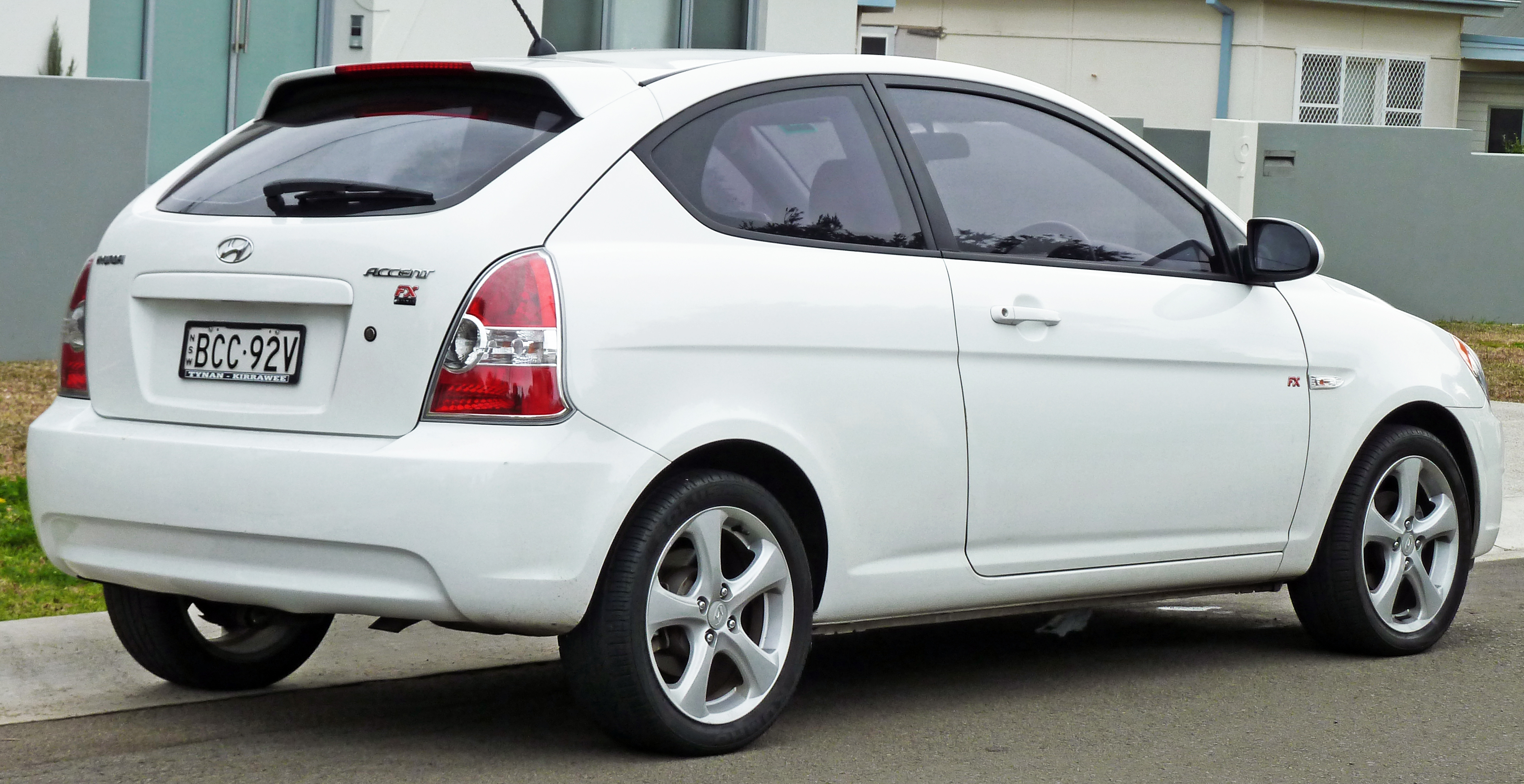 File 2006 2007 Hyundai Accent Mc Fx Limited Edition Hatchback 02 Jpg Wikimedia Commons