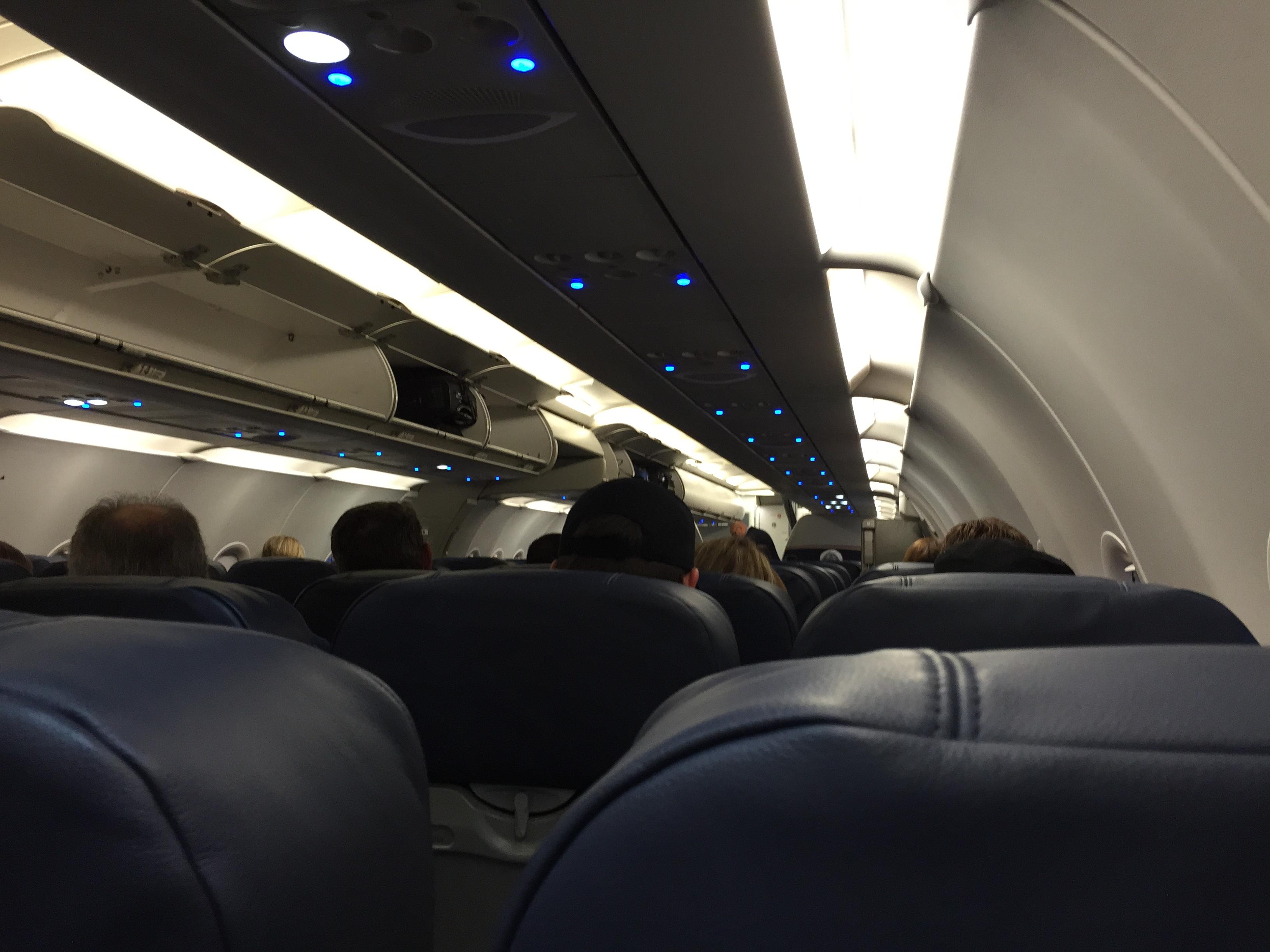 File 2015 04 08 19 53 39 Interior Of Us Airways 651 Airbus A321