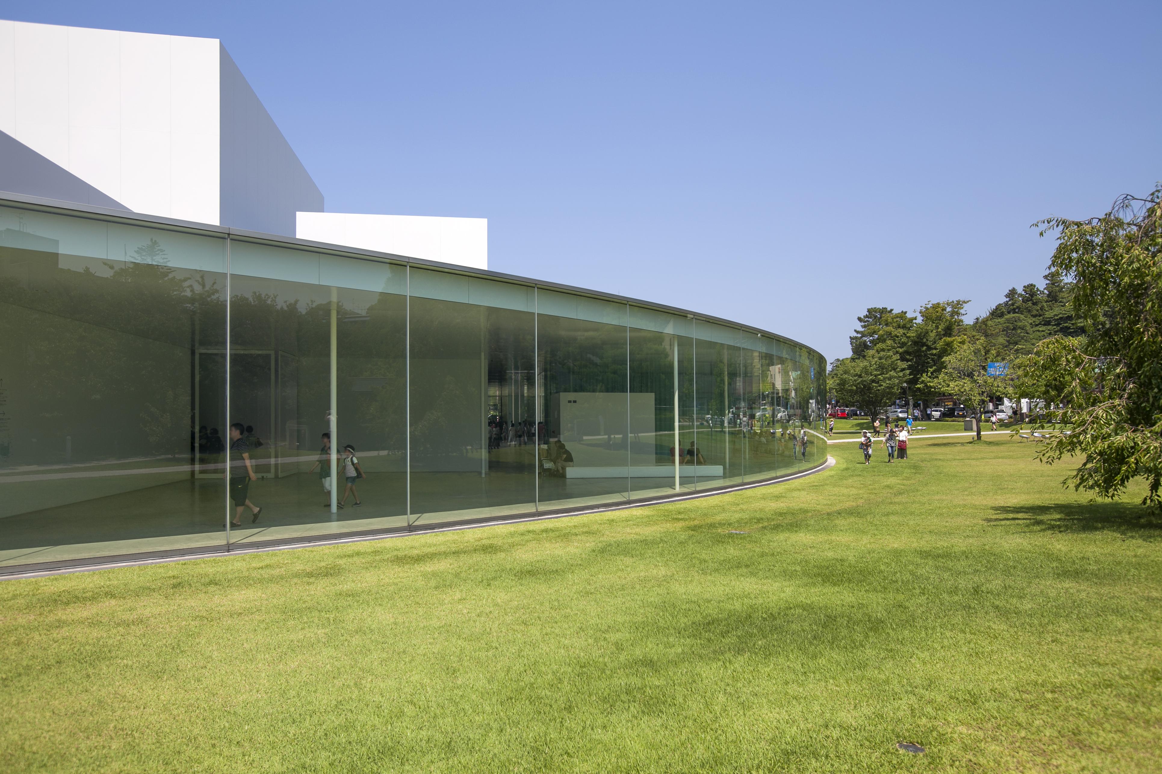 File:21st Century Museum of Contemporary Art, Kanazawa009.jpg - Wikimedia Com...