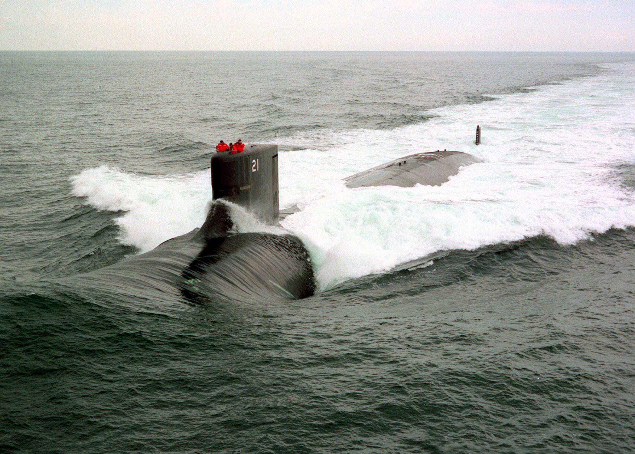 960916-V-0000B-009_USS_Seawolf_at_Sea.jp