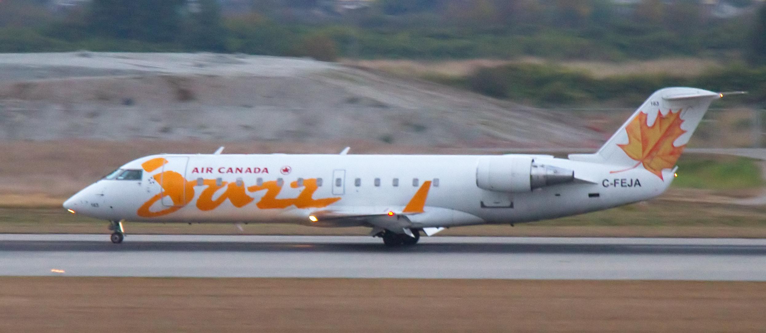 Canadair jet 200 фото