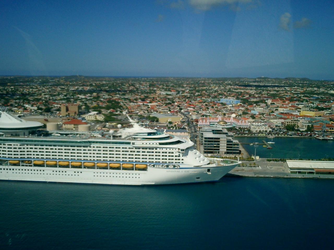 FileAruba Cruise Ship Terminal Panoramio Jpg Wikimedia - Cruise ships in aruba