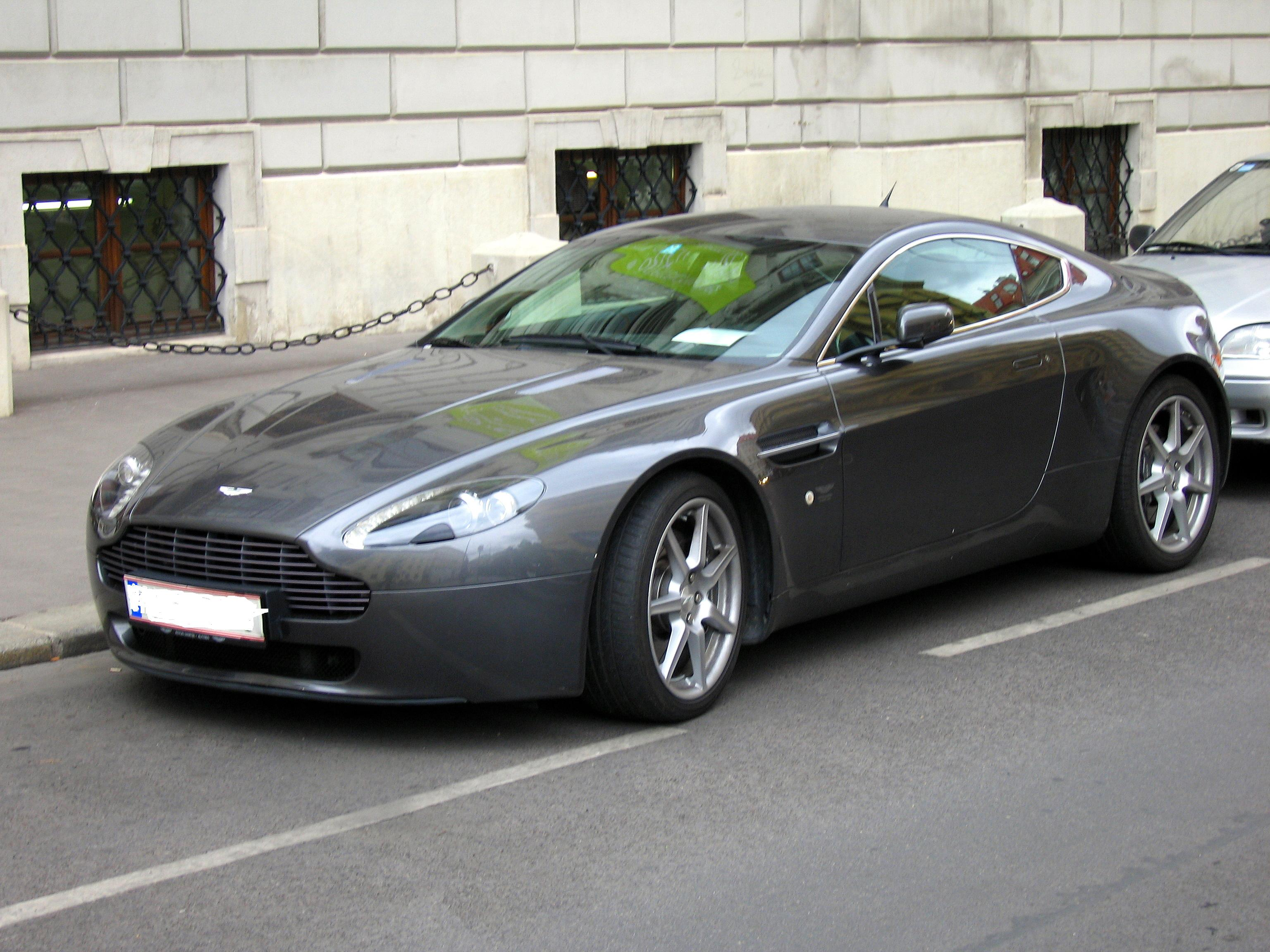 rank aston martin car pictures aston martin vantage. Black Bedroom Furniture Sets. Home Design Ideas