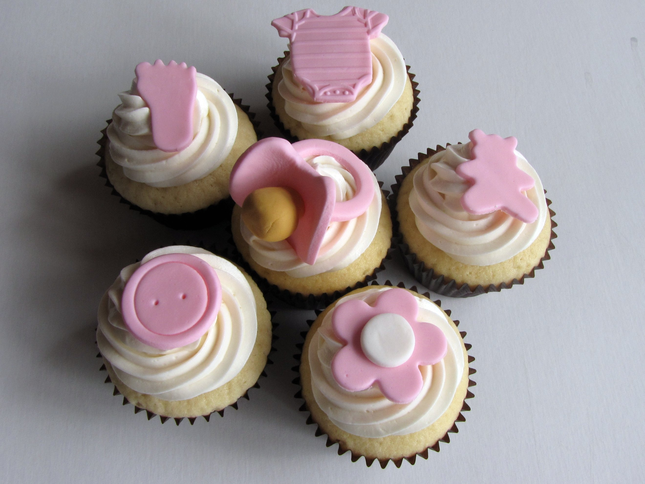 file baby shower cupcakes 4701438798 jpg wikimedia commons