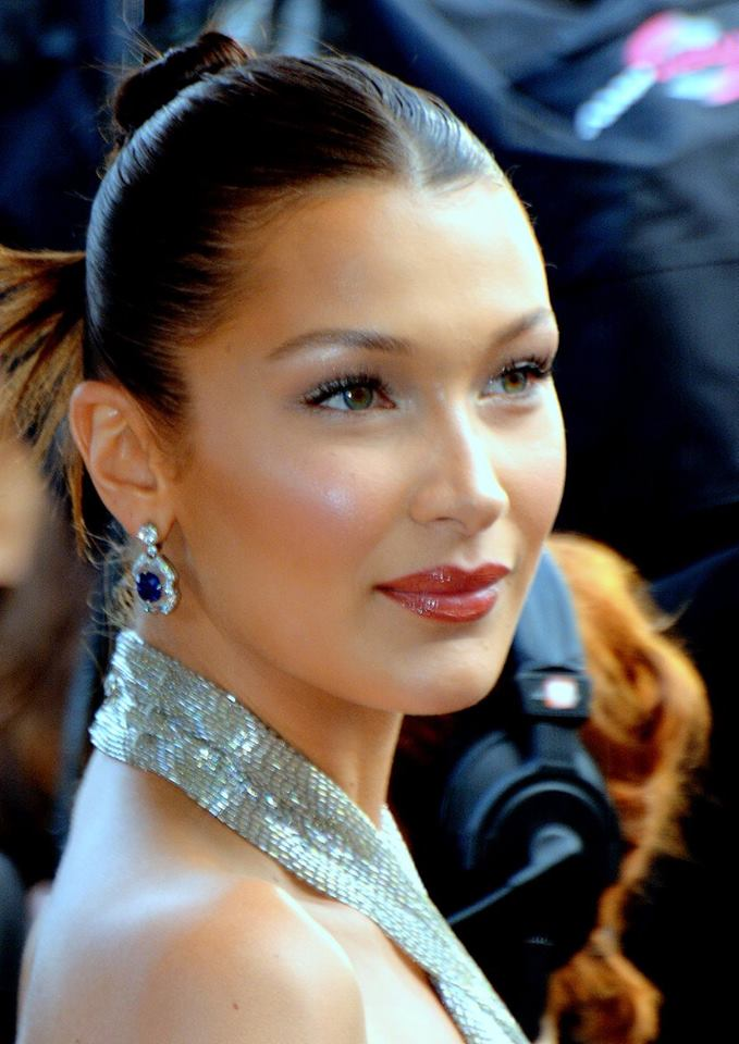 The 23-year old daughter of father (?) and mother(?) Bella Hadid in 2020 photo. Bella Hadid earned a 6 million dollar salary - leaving the net worth at 12 million in 2020