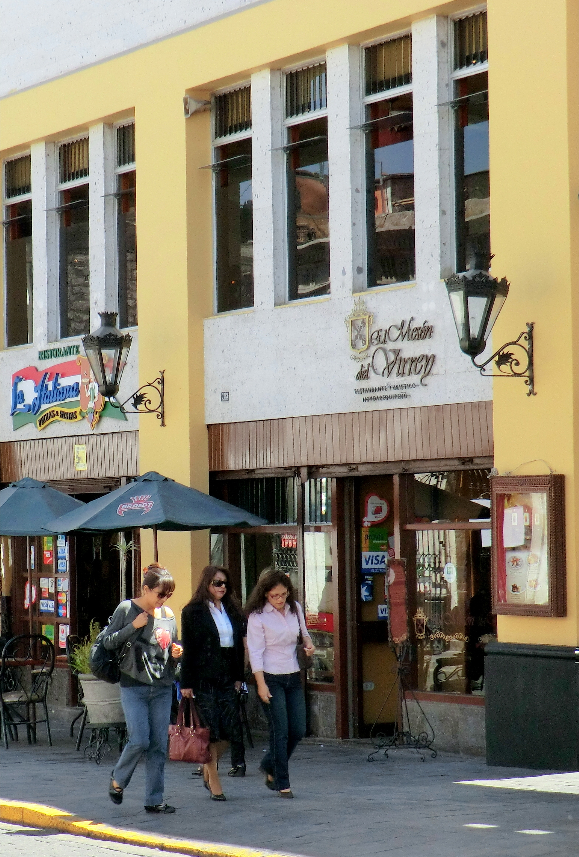 Lorenzo S Cafe Princeton Ave