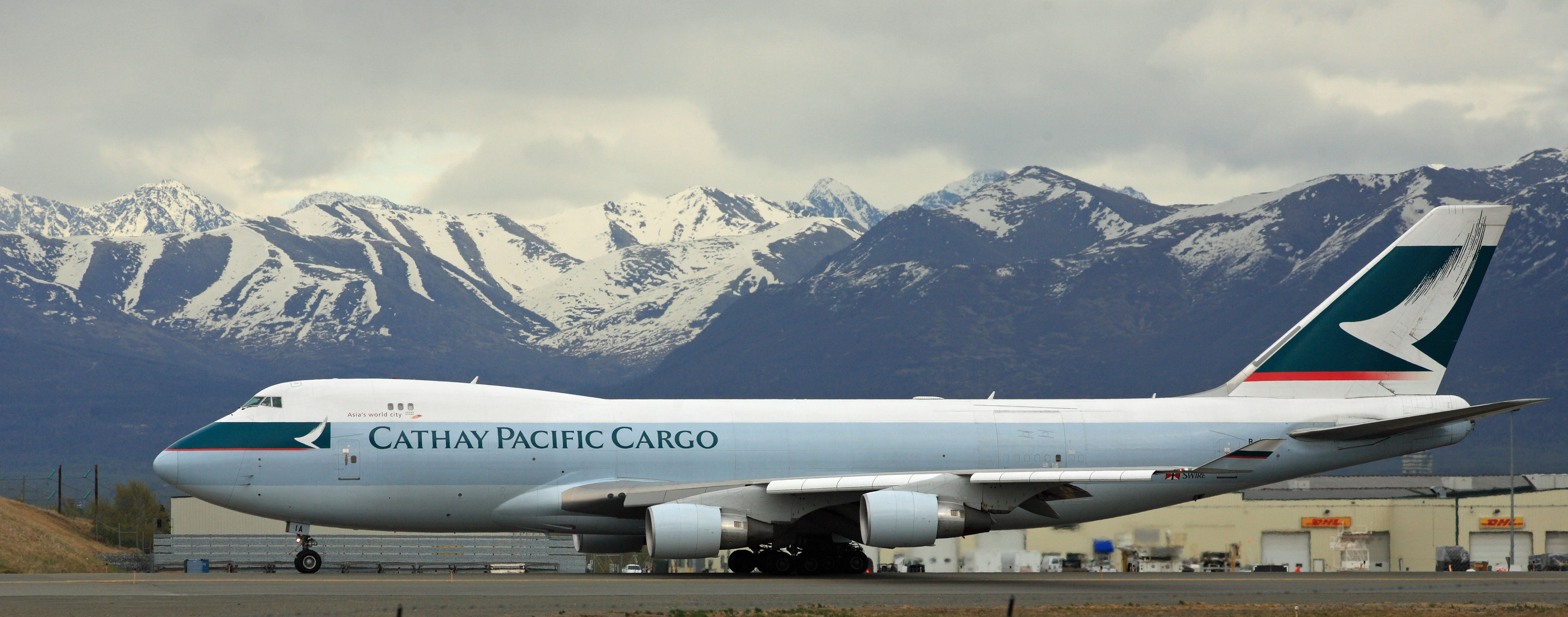 File Cathay Pacific Cargo 747 With The Chugach Mountains