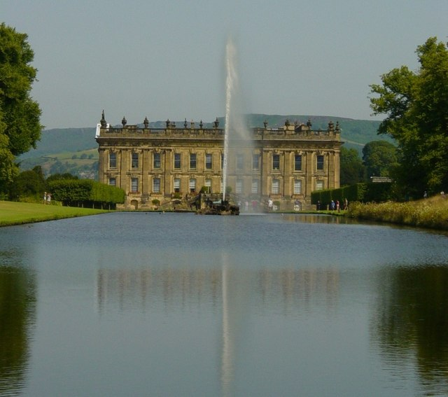 Chatsworth 3 Piece Traditional White Suite: File:Chatsworth House 03.jpg