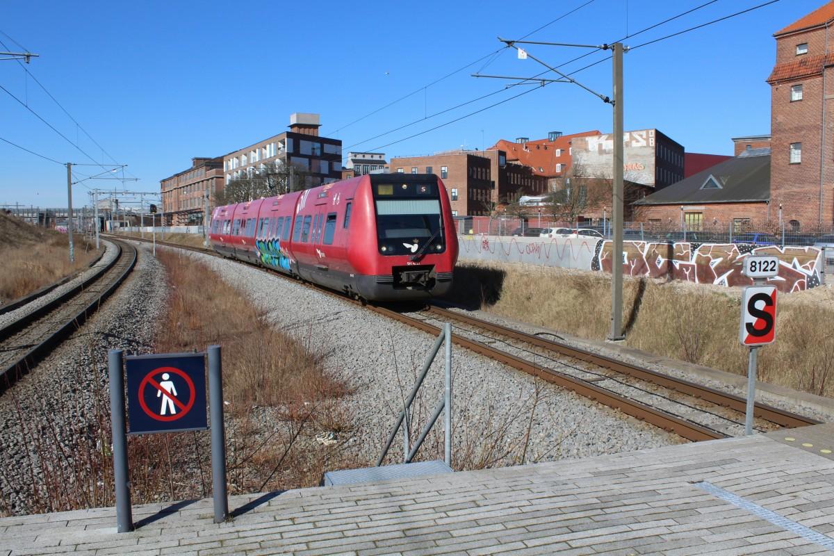 File:Dsb-s-bahn-kopenhagen-linie-f-854808.jpg - Wikimedia Commons