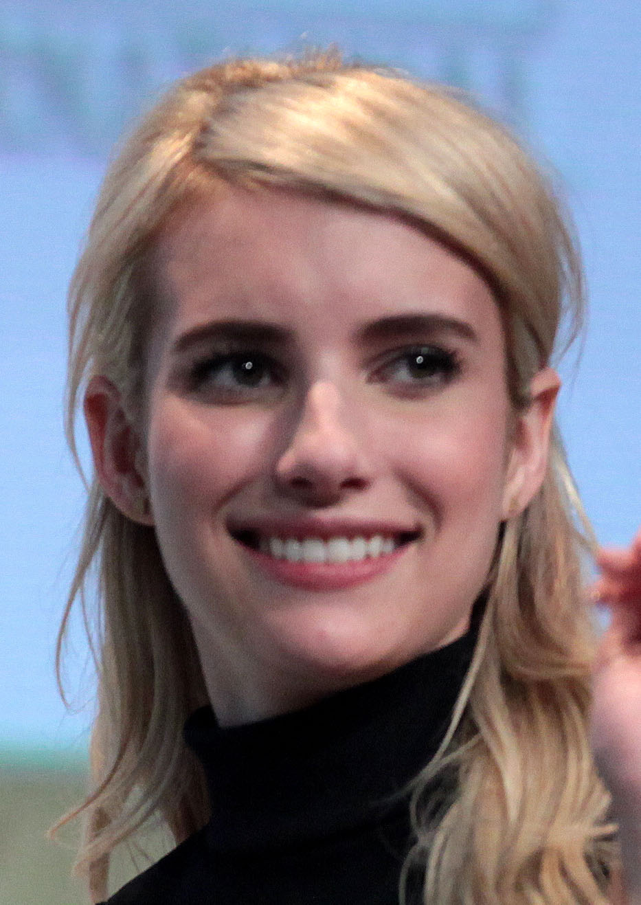Emma roberts scream queens s2e01e08 - 2 part 7