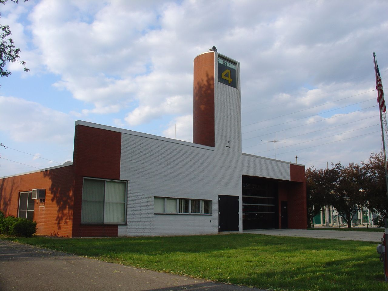 famous postmodern architecture. File:Fire Station 4 Columbus IN.jpg Famous Postmodern Architecture