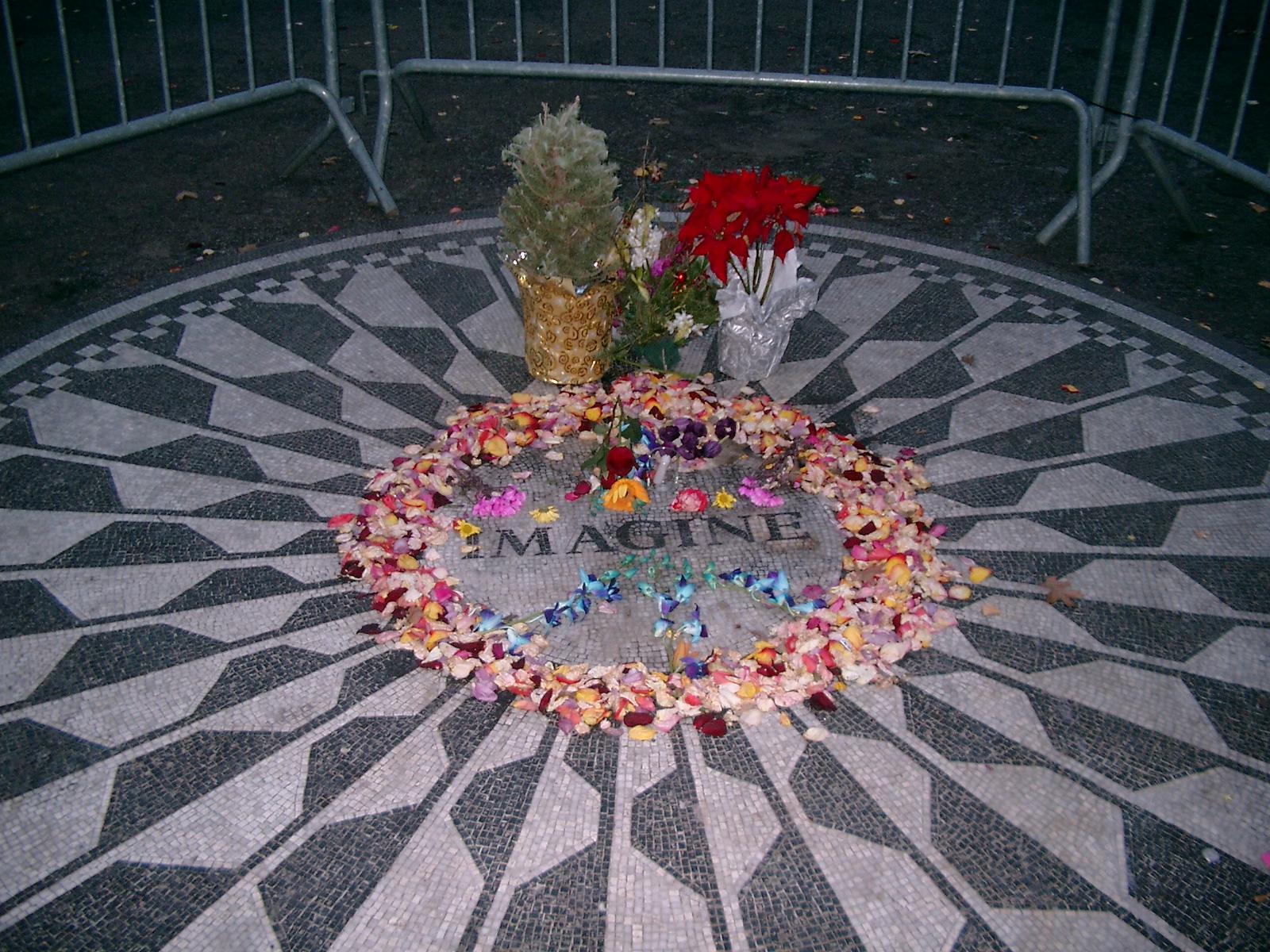 John-Lennon-Gedenkstätte, Central Park West