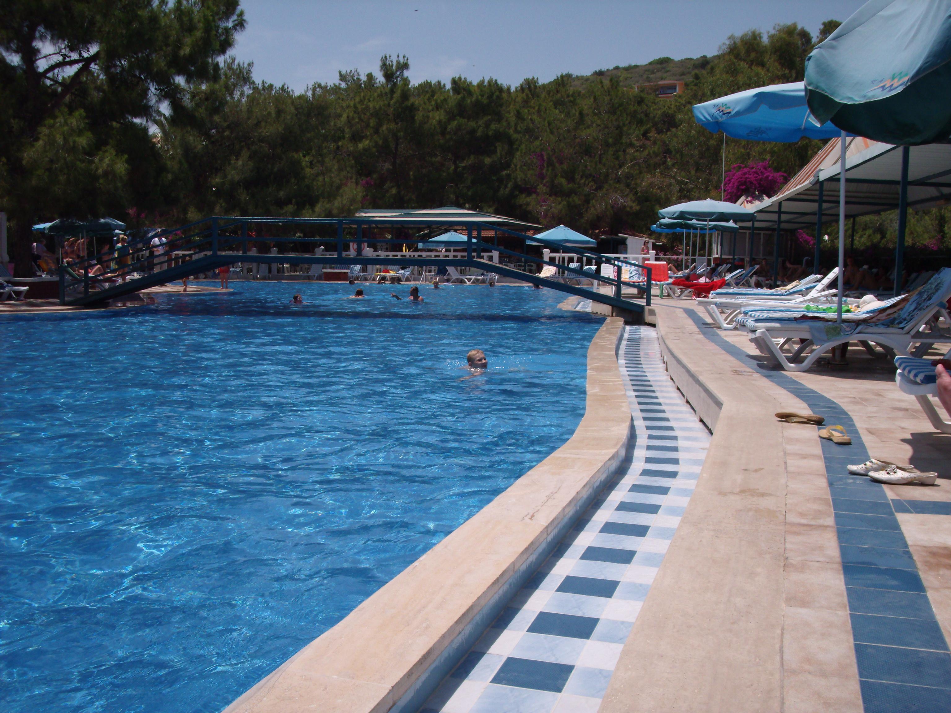 File Green Hill Hotel Pool Panoramio Jpg Wikimedia Commons