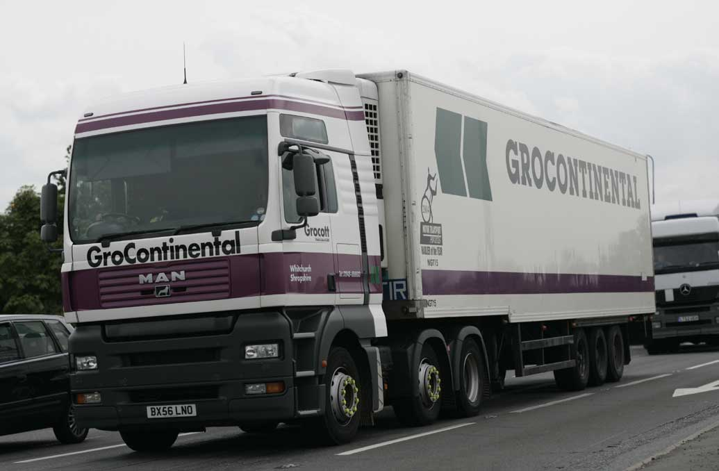 FileGroContinental 2006 MAN Truck With Refrigerated Step Trailer 20 January 2009