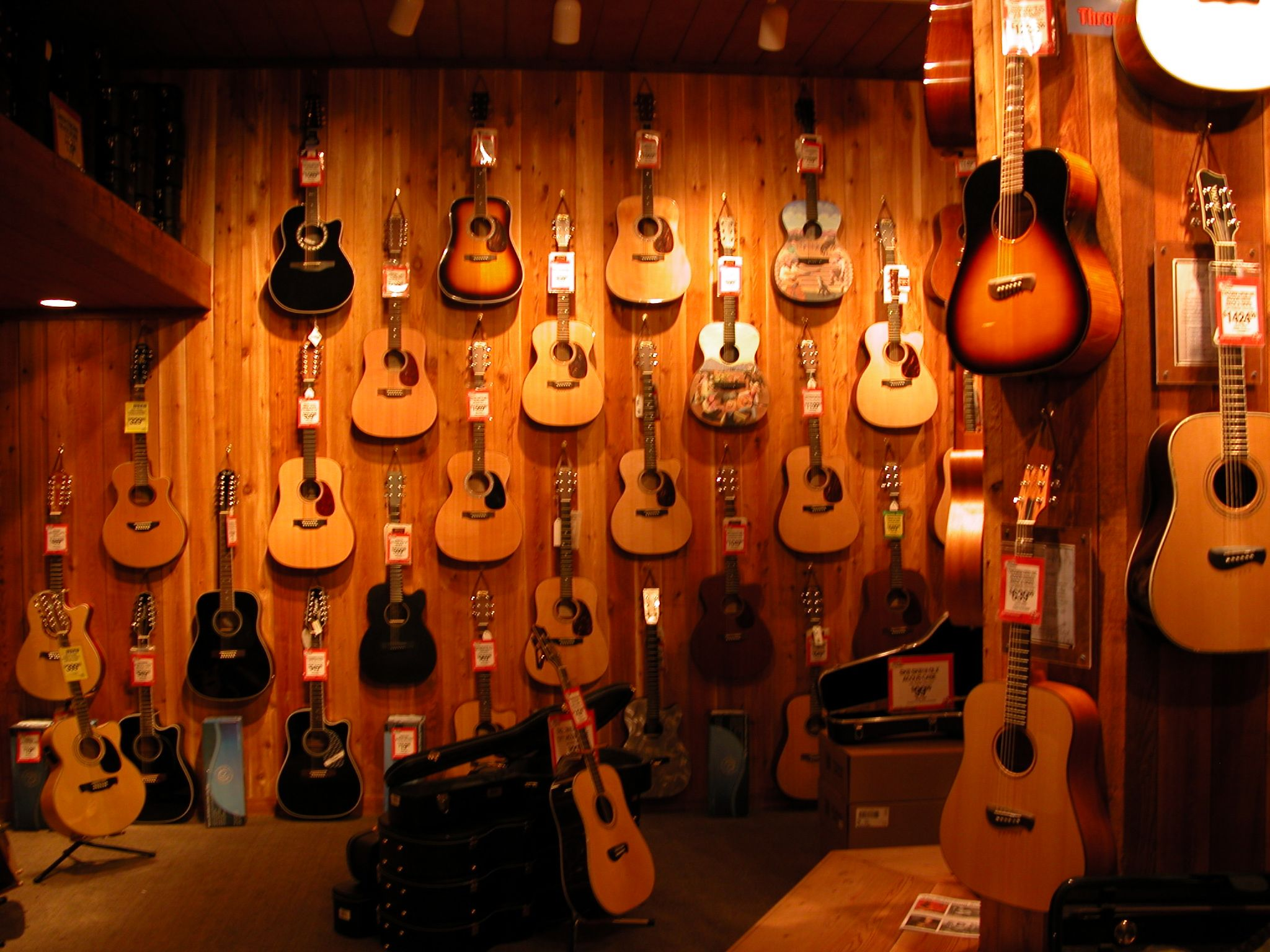 File:Guitar shop jpg - Wikimedia Commons