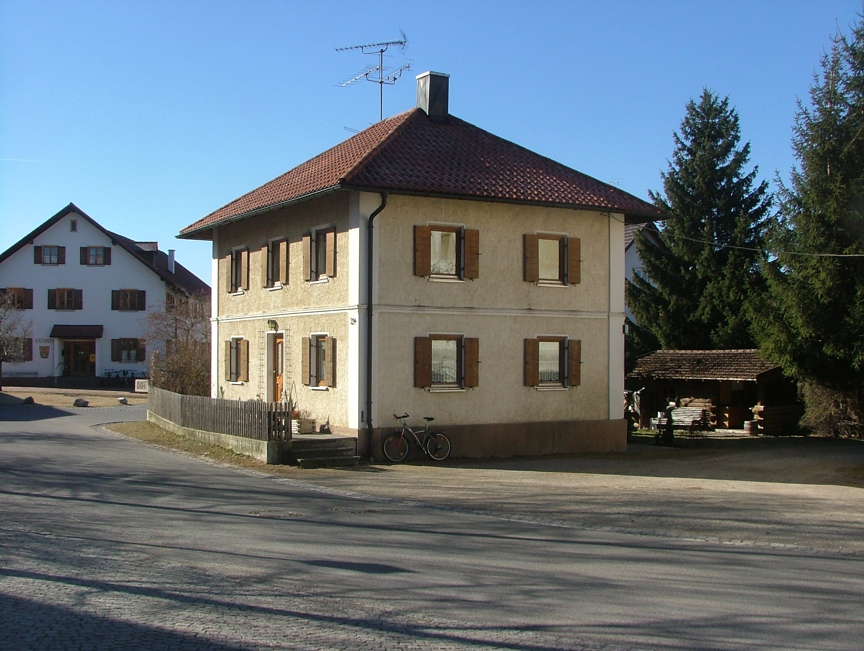 Haus Mit Walmdach file haus mit walmdach panoramio jpg wikimedia commons