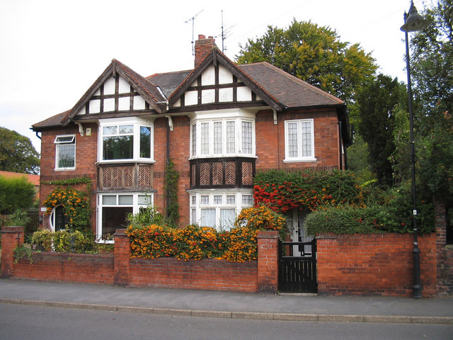 File:Houses in Burgate - geograph.org.uk - 189330.jpg