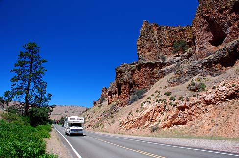Photo credit: http://commons.wikimedia.org/wiki/File:Indian_Head_Canyon_%28Wasco_County,_Oregon_scenic_images%29_%28wascDA0128%29.jpg