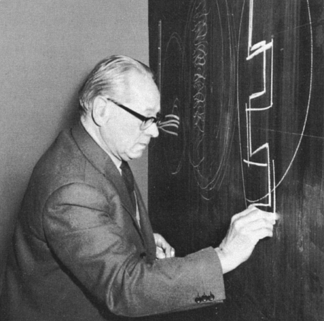 Johannes Itten im Unterricht. 1964 - Foto von Serge Lachinov
