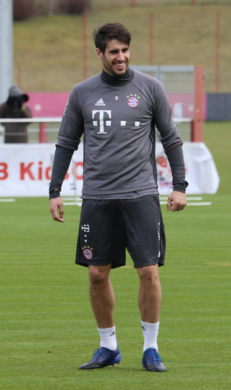 File Javi Martinez Training 2017 03 FC Bayern Muenchen 1