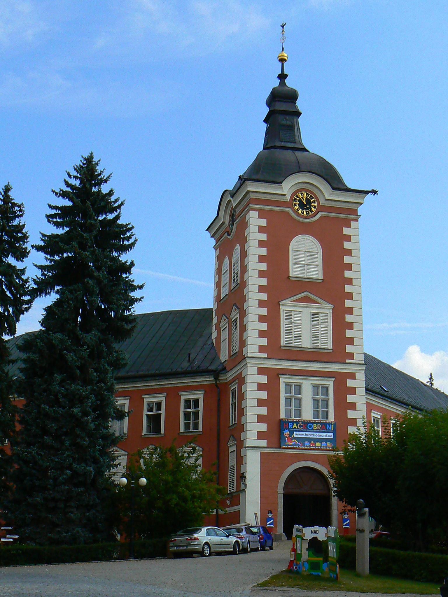 zámek Kamenice nad Lipou