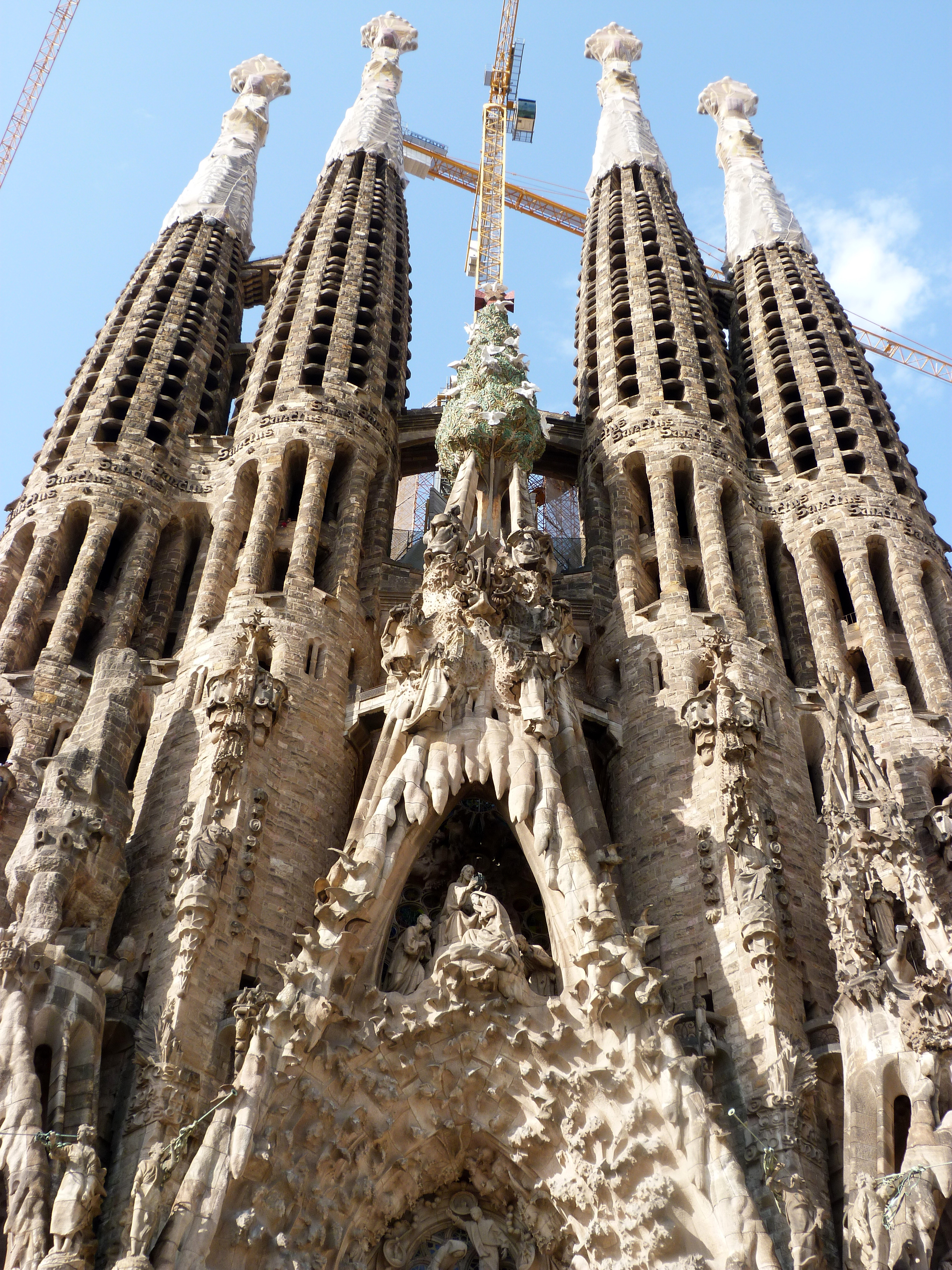 File:La Sagrada Familia (7852730736).jpg