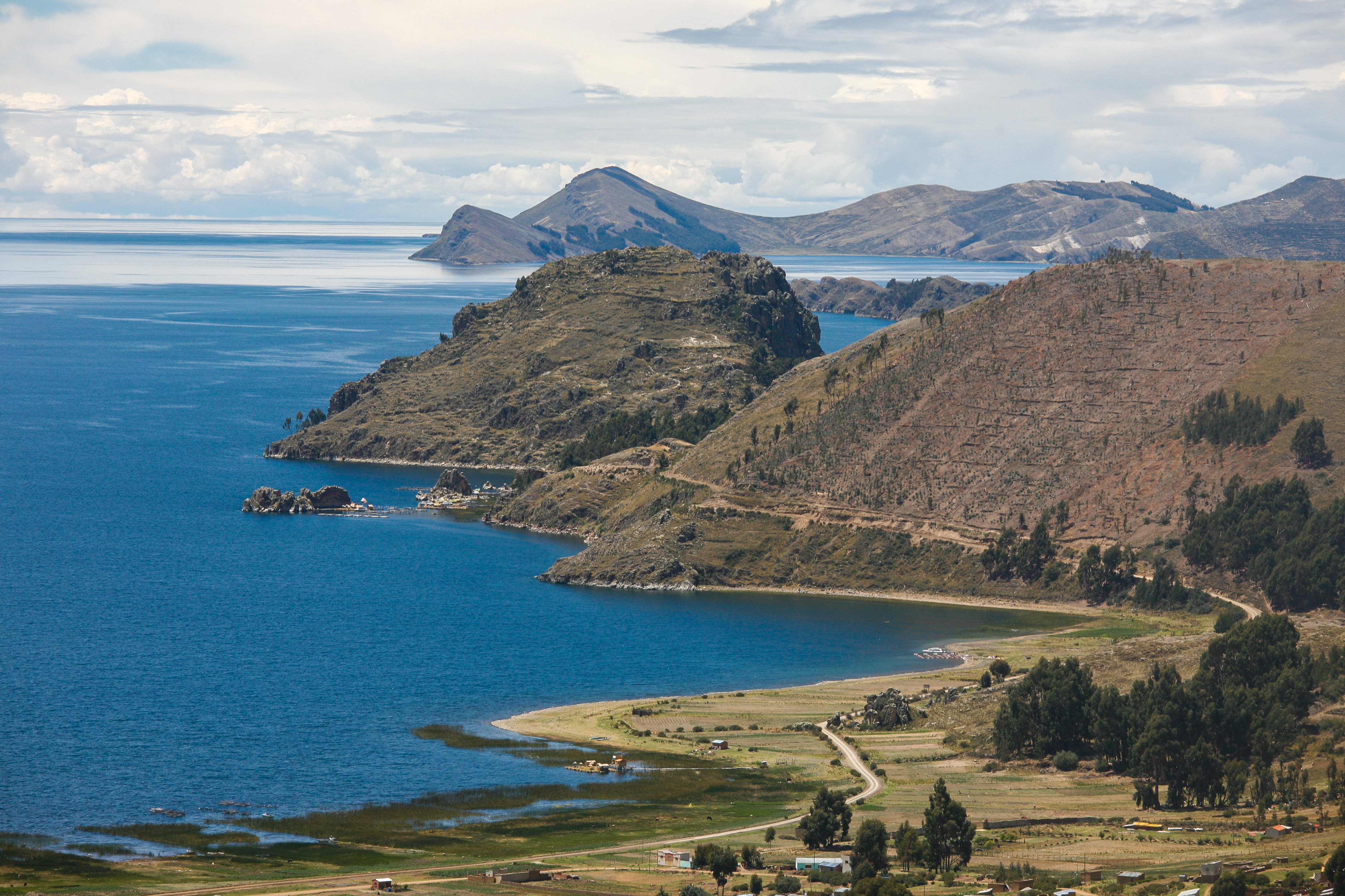 Lake Titicaca turns into kaku 64