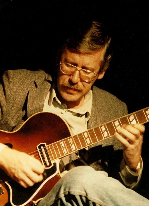 Louis Stewart (guitarist) - Wikipedia