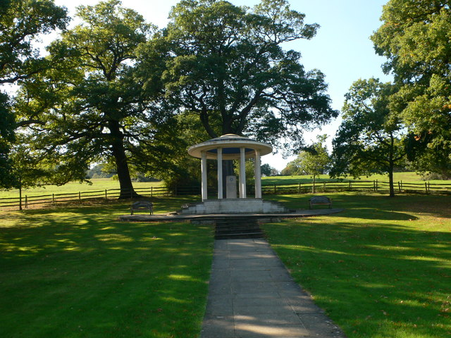 Magna Carta Memorial, Runnymede - geograph.org.uk - 2662046