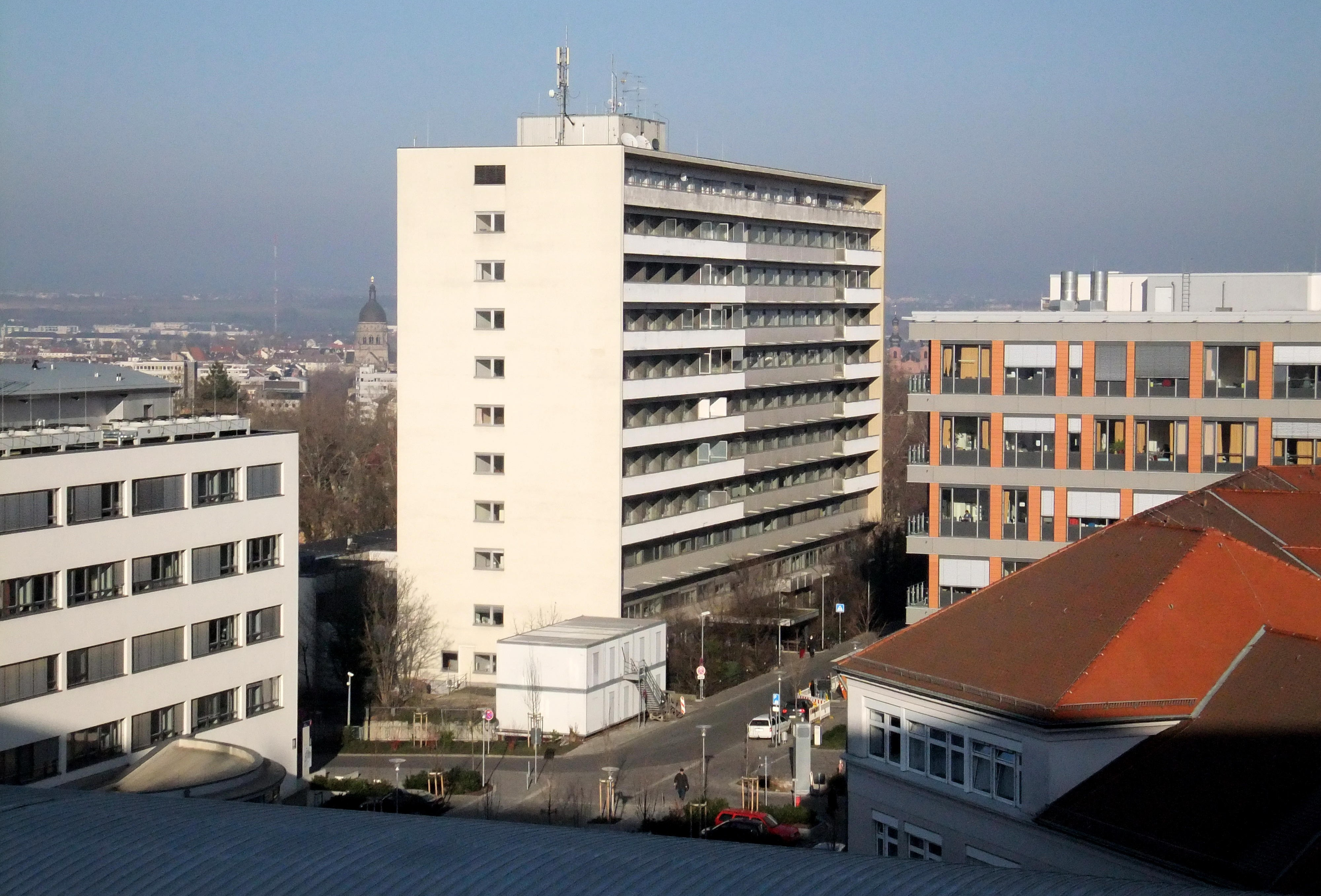 Datei:Mainz- Universitätsmedizin- Gebäude 701 ...