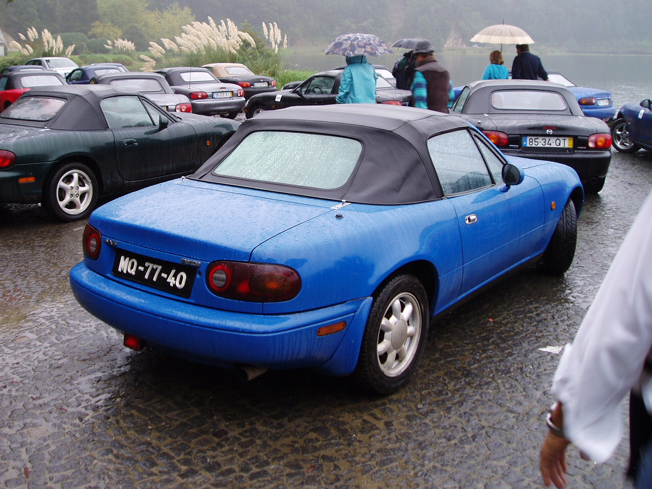 file:mazda mx-5 1990-1993 mariner blue - wikimedia commons