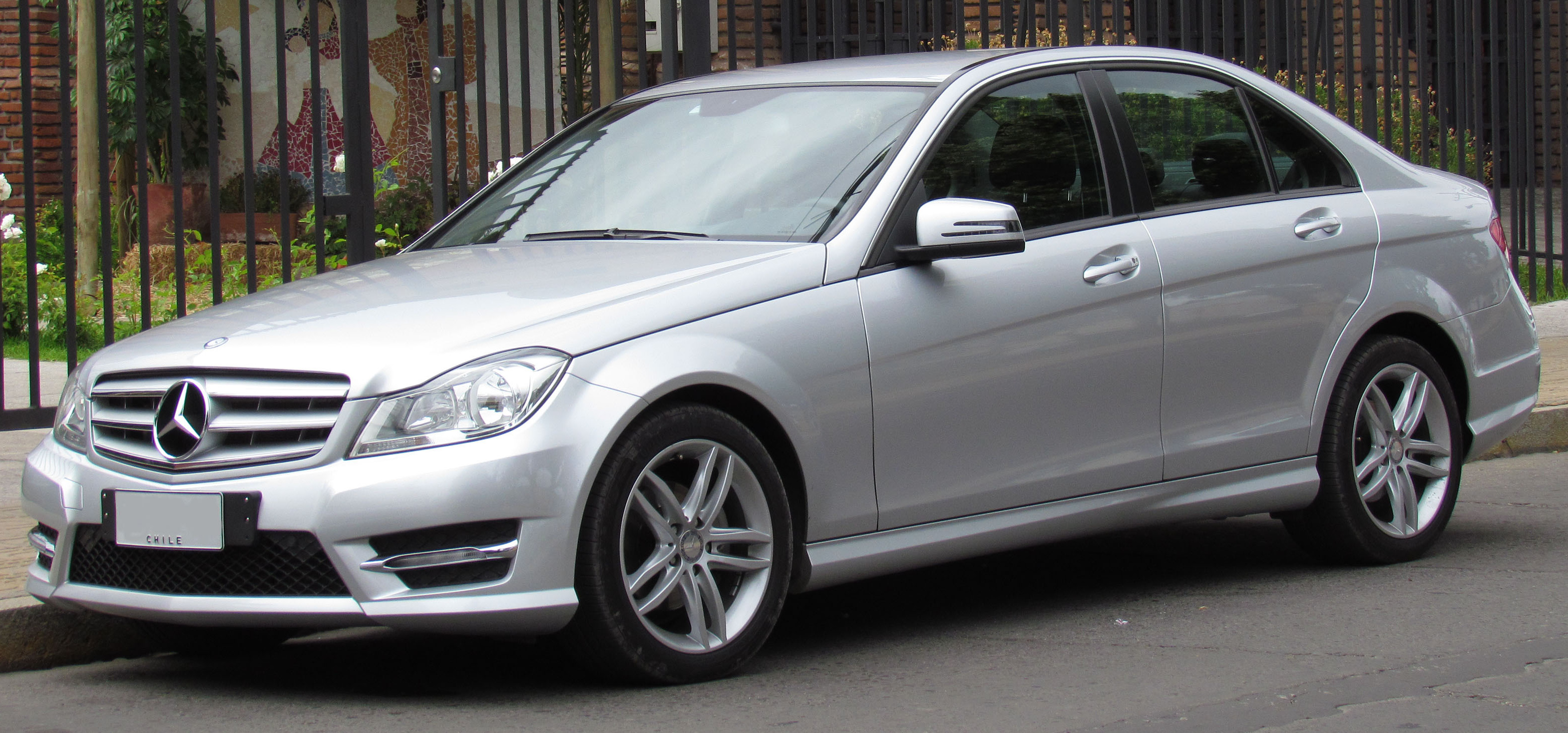 mercedes benz c class w204 facelift 2011 c 250 cdi 4matic 204 hp. Black Bedroom Furniture Sets. Home Design Ideas