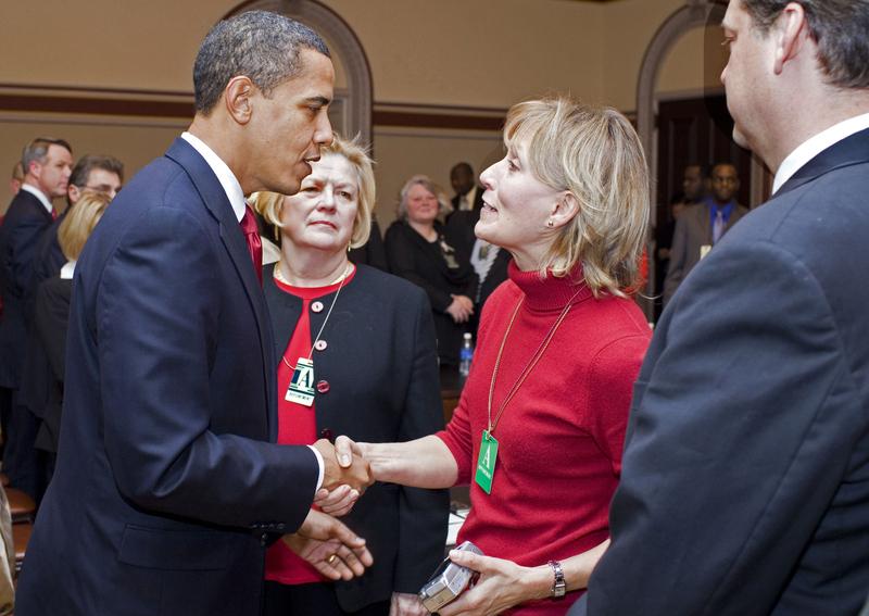 File:Obama and Beverly Eckert.jpg