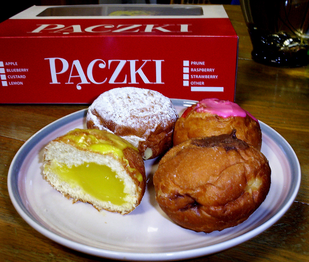 Crazy Eddie's Motie News: WXYZ on paczki selfies