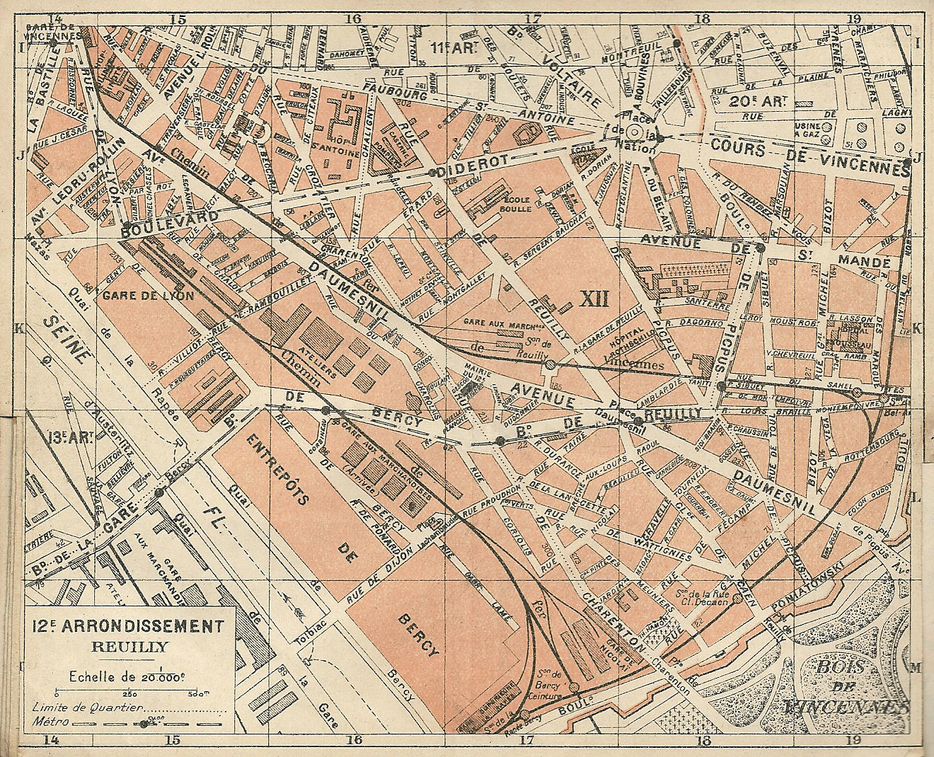 carte de paris par arrondissement File:Paris.carte d'arrondissement.A12.   Wikimedia Commons
