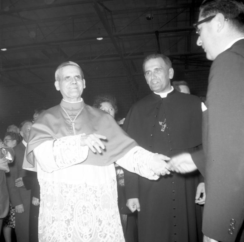 Titre original:  File:Paul-Émile Léger et Maurice Lafond, c.s.c., 1962..png - Wikimedia Commons