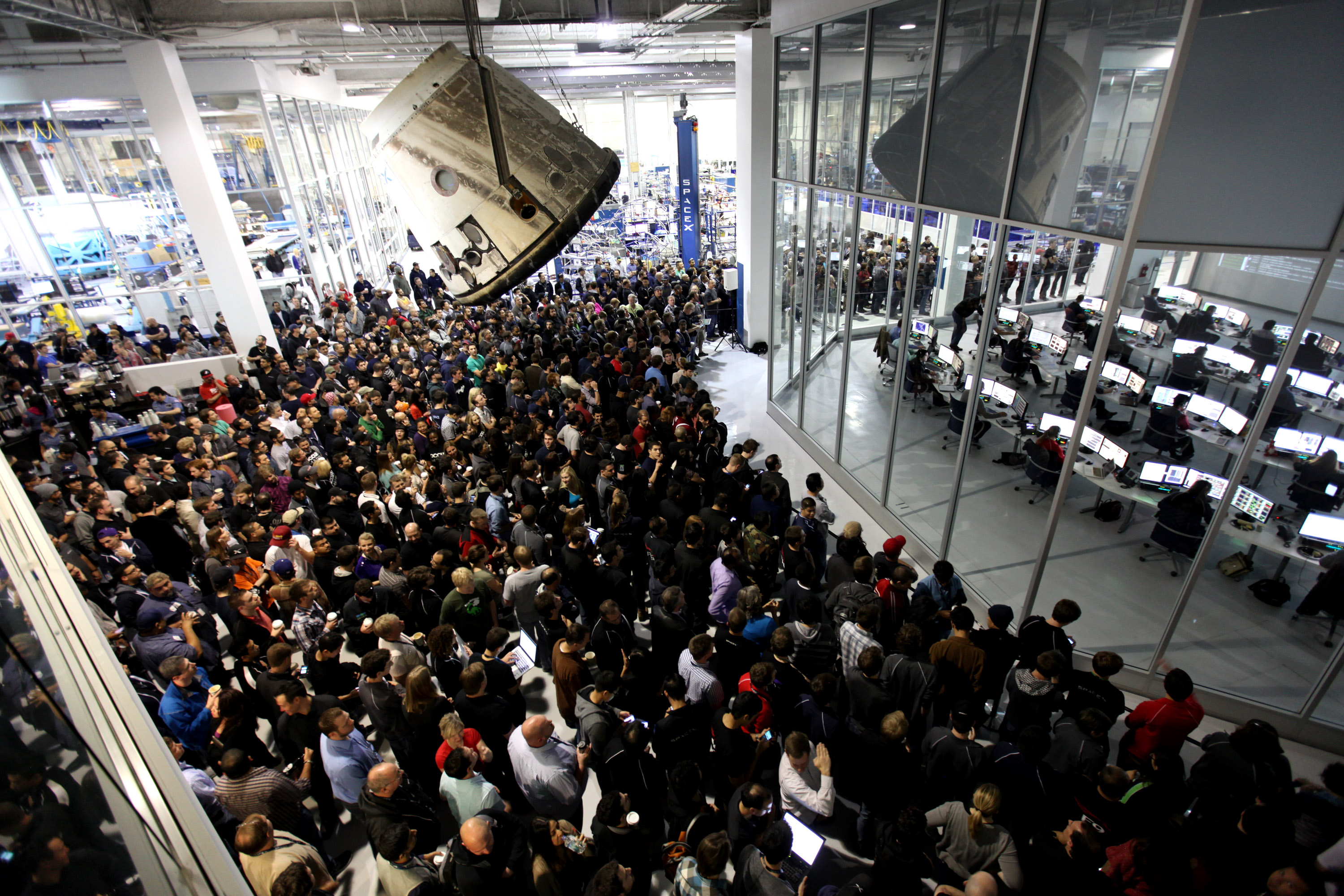 File:People outside of the SpaceX Mission Control.jpg ...