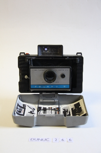 File:Polaroid Camera.jpg
