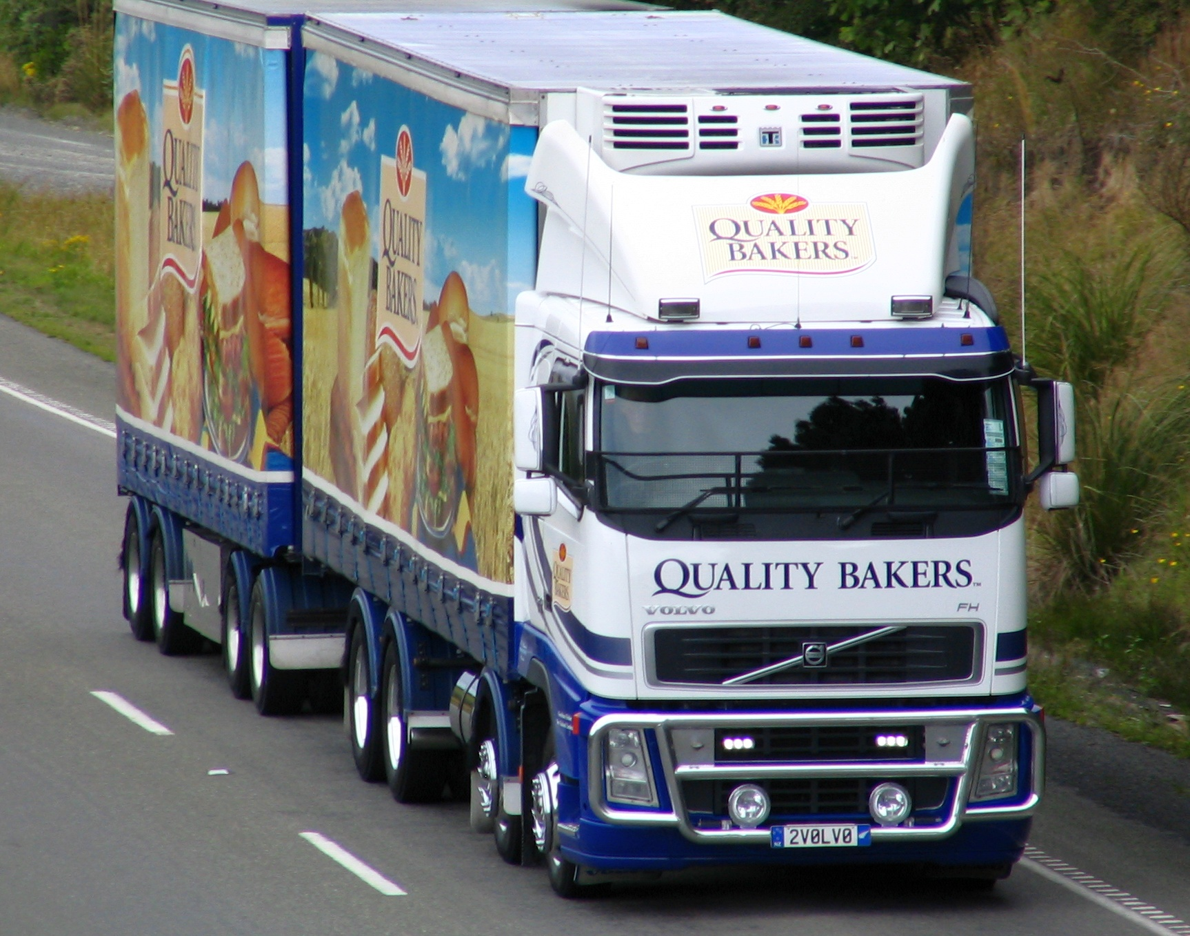 Filequality bakers truck sh1 near dunedin new zealand jpg