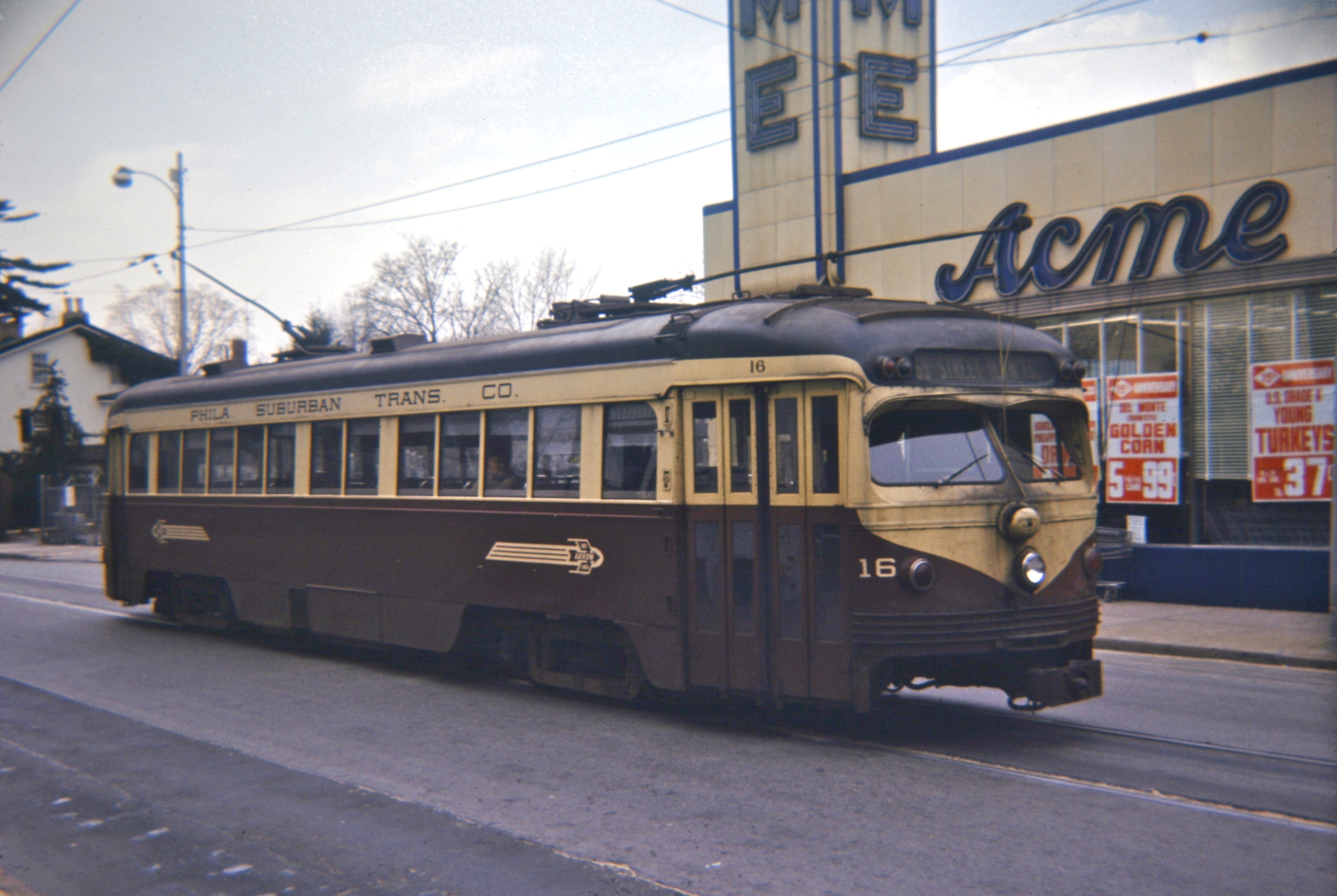File:Red Arrow PCC car 16 on State Street in Media, PA, 1966.jpg ...