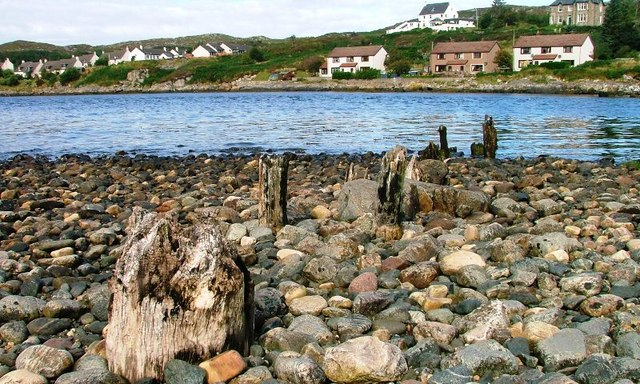 File:Remains of Old Pier, Lochinver - geograph.org.uk - 243011.jpg