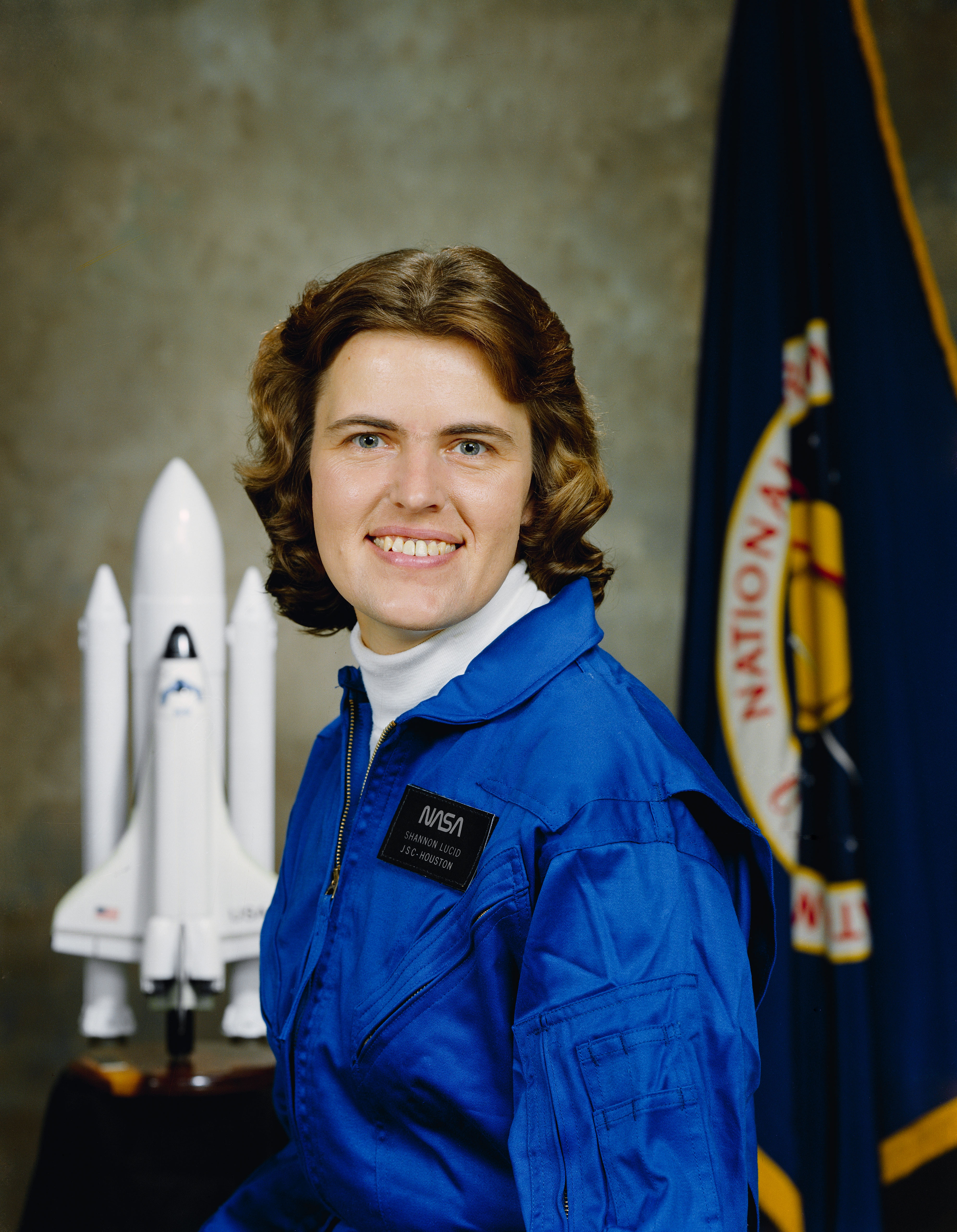 life of american biochemist shannon lucid and her contributions to nasa Shannon lucid ~ an american biochemist and a retired nasa astronaut at one time, she held the record for the longest duration stay in space by an american, as well as by a woman.