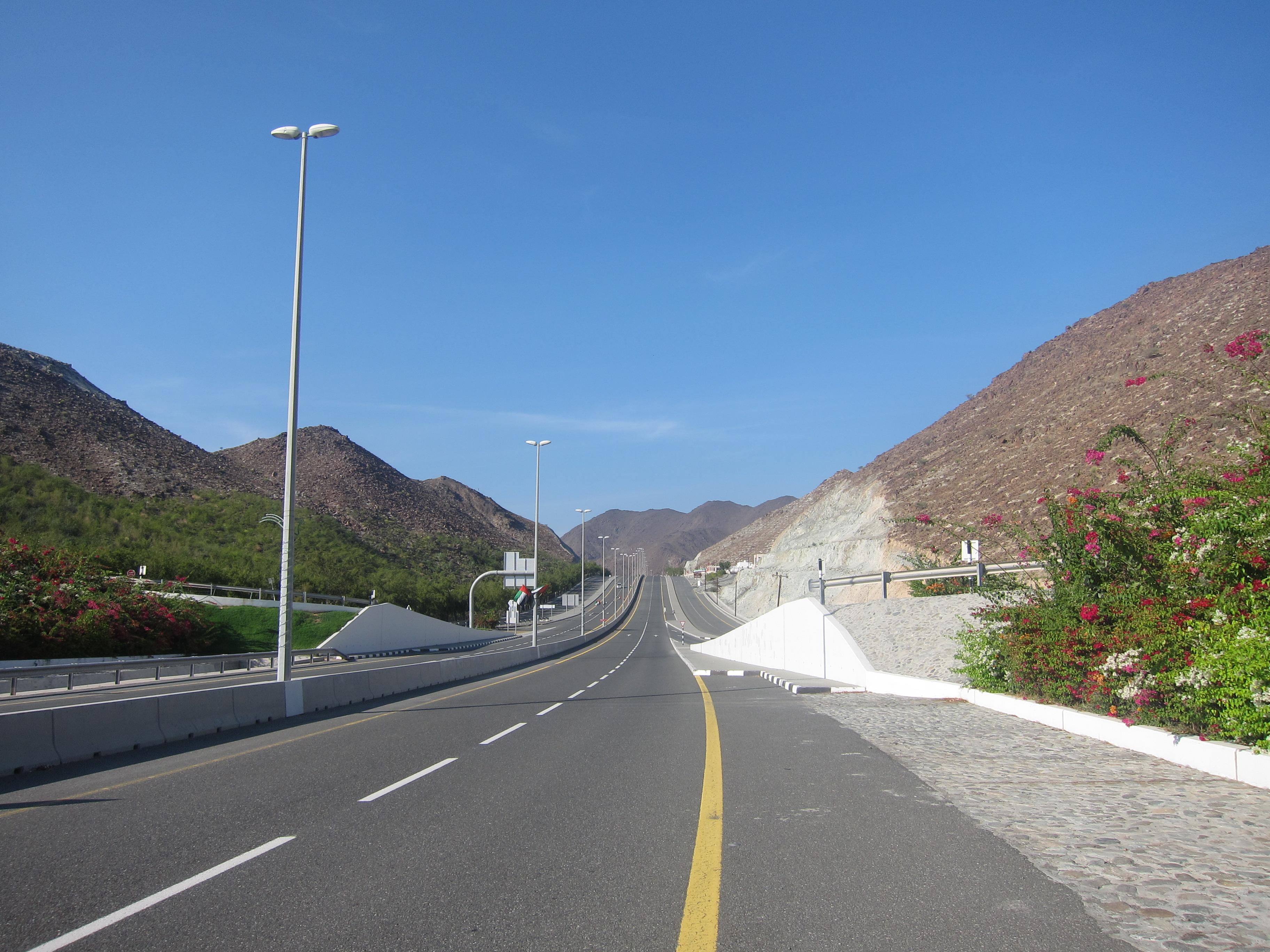 File:Sharjah-Kalba Road ഷാർജ-കൽബ റോഡ് 05.JPG - Wikimedia Commons