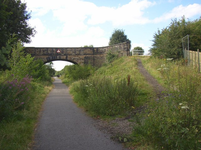 Snelsins Bridge, Cleckheaton - geograph.org.uk - 526571