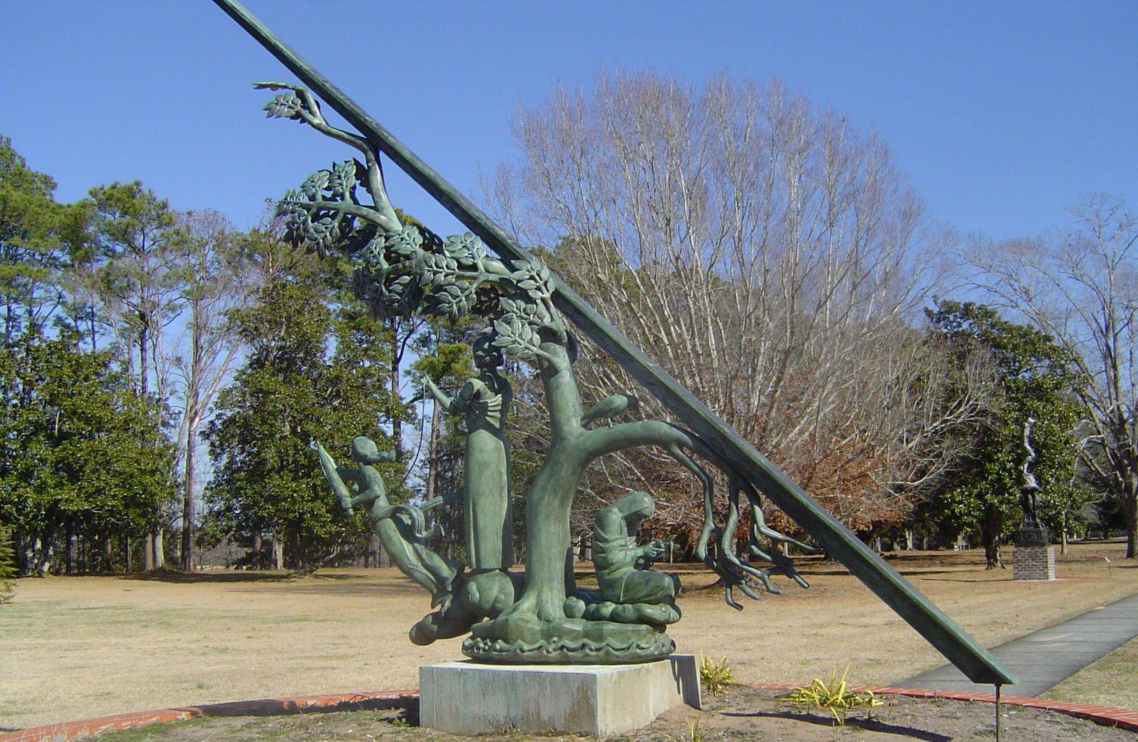 File:Sundial At Brookgreen Gardens